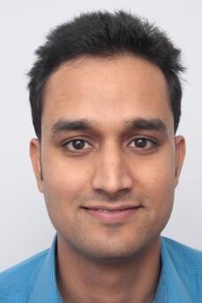 Rohit Singh prima del trattamento