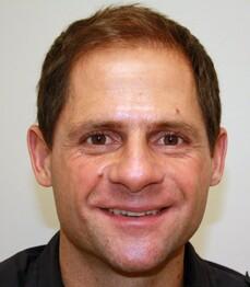 Ein Patient von Moser Medical vor seiner Haartransplantation