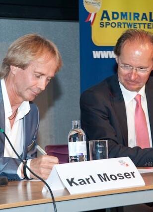 Vertragsunterzeichung im Jahr 2010